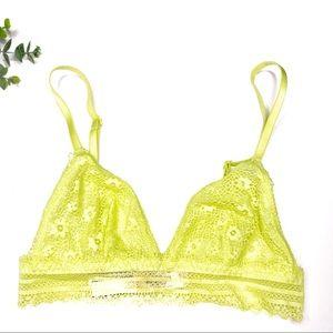 Victoria's Secret | V Neck Lace Bralette XS
